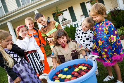 Halloween: Bobbing for Apple Game